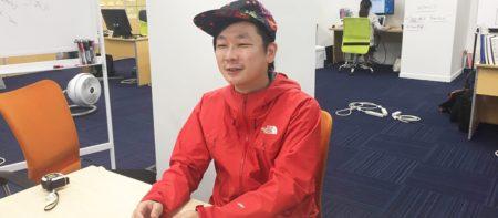 元レコードショップ店員がプログラミング? 音楽好きが高じてエンジニアに転身し、AI英会話アプリのベンチャー「appArray」で活躍する高崎陽平さん。